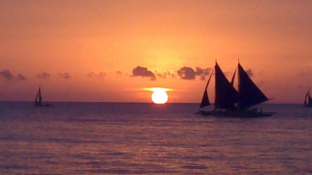 Como não se apaixonar por um pôr-do-sol destes?
