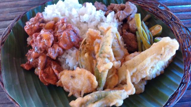 O almoço: típico filipino, bem gostoso!