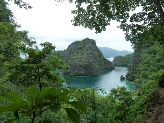 A vista de Kayagan Lake (e o lugar mais fotografado de Coron, segundo diz a lenda)