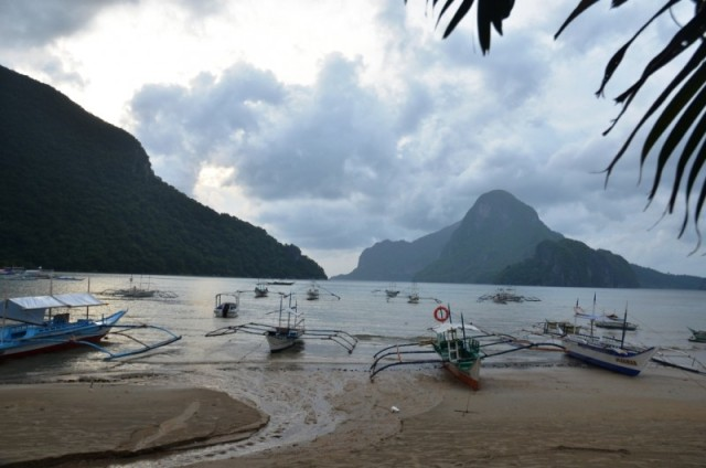 Vista da varanda do quarto (El Nido Beach Hotel)