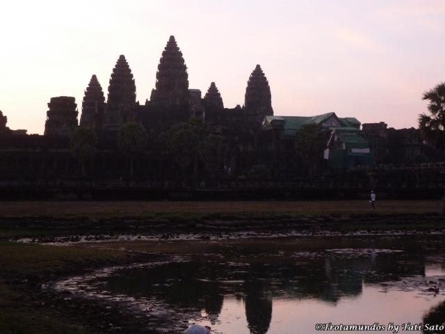2012 Cambodia_Angkor Wat_trotamundostatisato