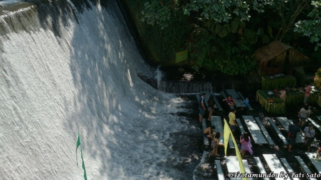 restaurante waterfalls (02)_villa escudero_trotamundosbytatisato
